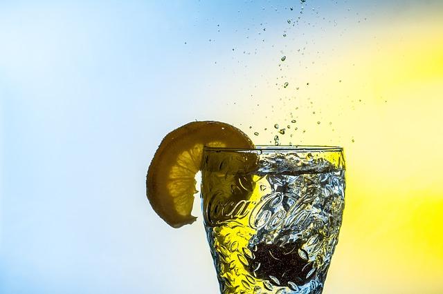 Chcete zhubnout? Pijte vodu