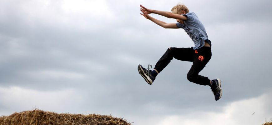 Boy Jump Joy Fun Young Freedom  - Muscat_Coach / Pixabay